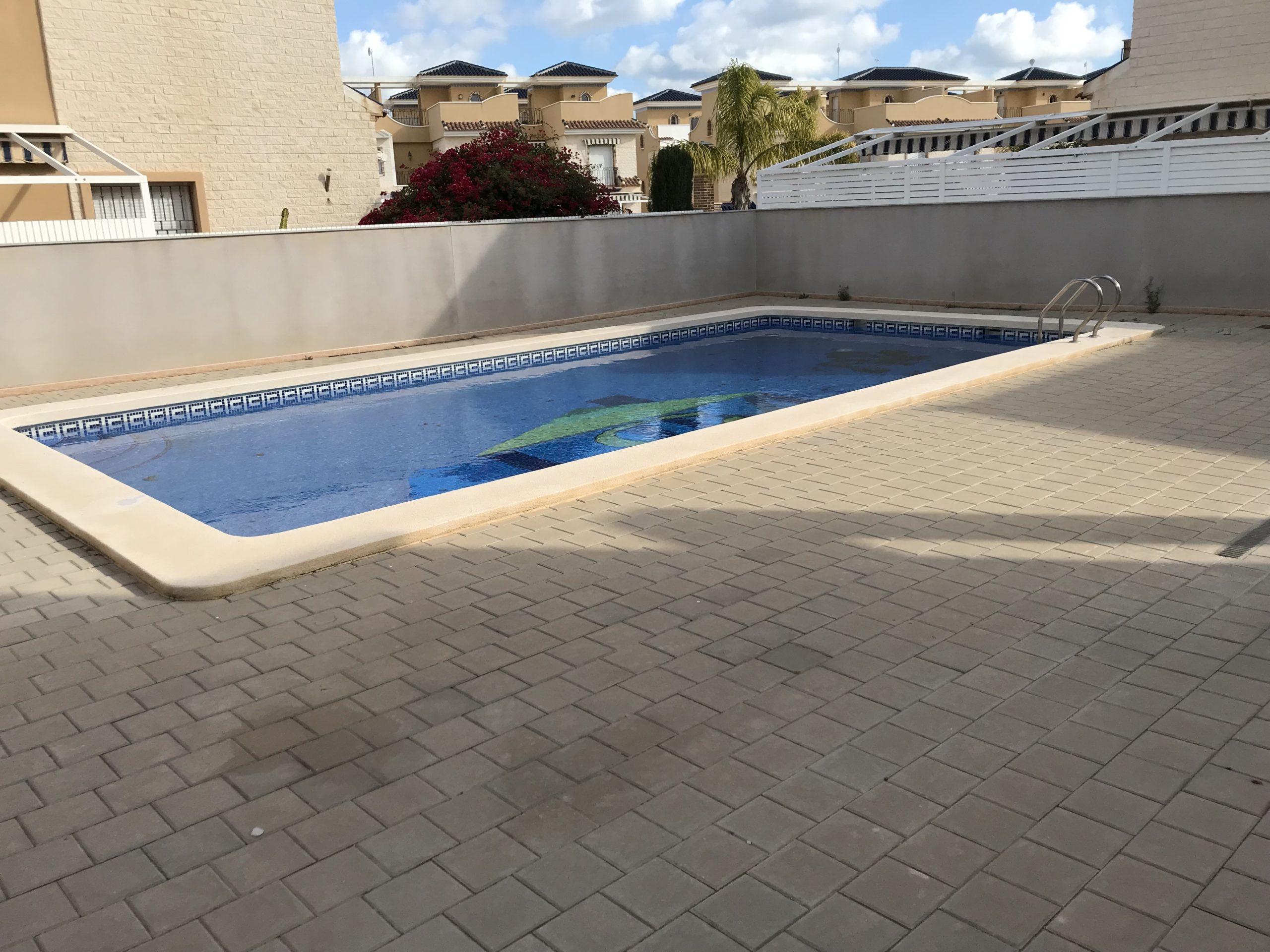 Dúplex con piscina en Torre de la Horadada